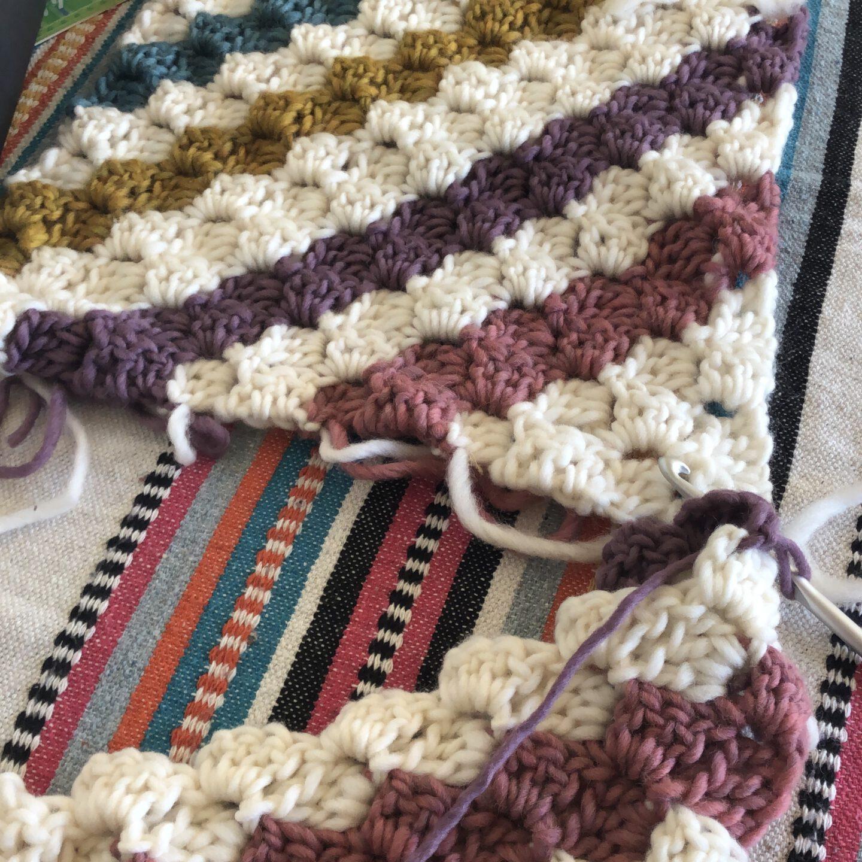 C2C crochet wollen vloerkleed